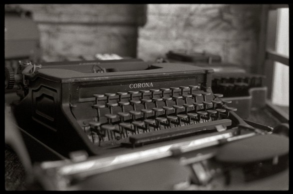 Tomado de: http://designyoutrust.com/2012/11/beautiful-old-time-typewriters/