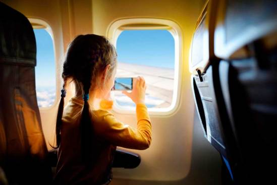 niña-avion